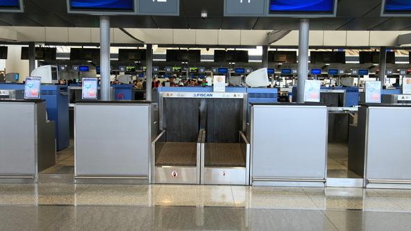 机场安检工资_上海机场安检员月薪多少,工作时间。好吗